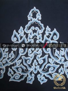 Batik Tulis Cirebon Motif Megamendung Biru Dongker