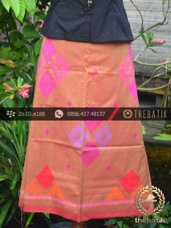 Kain Tenun Indonesia Motif Wajik Peach