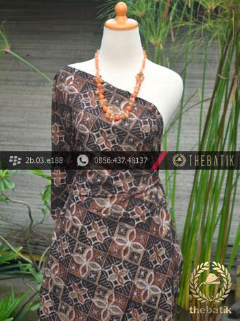 Kain Batik Warna Alam Motif Ceplok Kembang Kontemporer