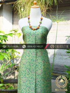 Batik Sutera Pesisiran Motif Kembang Hijau
