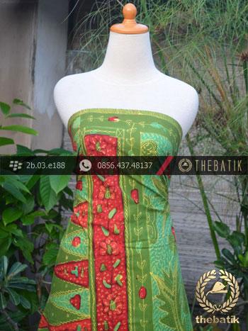 Sarung Batik Tulis Motif Tumpal Hijau Merah