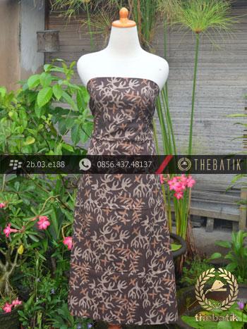 Kain Batik Warna Alam Motif Daun Kontemporer