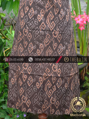 Kain Batik Warna Alam Motif Megamendung