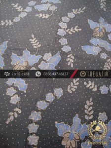 Kain Batik Tulis Warna Alam Indigo Kembang Abu-Abu