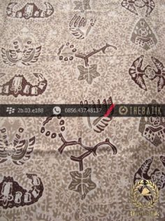 Kain Batik Tulis Warna Alam Motif Wahyu Tumurun Coklat