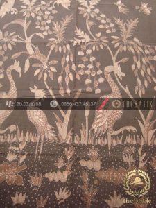 Kain Batik Warna Alam Tulis Motif Bangau Coklat