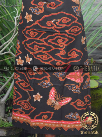 Kain Batik Tulis Mega Mendung Merah Latar Hitam