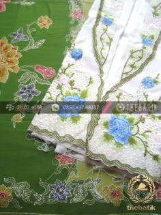 Paket Kain Batik Encim Hijau – Kebaya Modern Putih