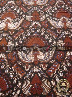 Kain Batik Motif Klasik Gurdo Latar Hitam