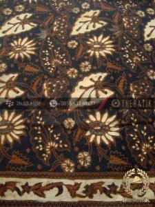 Kain Batik Solo Motif Daun Latar Hitam