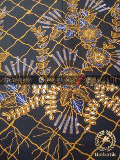 Kain Batik Tulis Motif Buketan Latar Hitam
