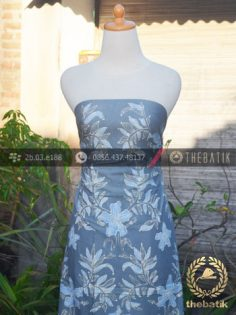 Kain Batik Tulis Warna Alam Motif Floral Abu-Abu