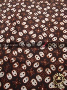 Kain Batik Jawa Sogan Motif Ceplok Kawung
