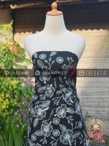 Kain Batik Tulis Jogja Motif Floral Latar Hitam