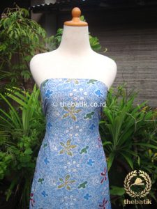 Kain Batik Katun Jepang Motif Floral Biru Muda Coletan