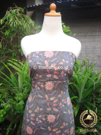 Kain Batik Katun Jepang Motif Floral Abu-Abu Colet Pink