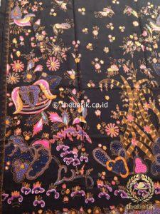 Kain Batik Tulis Motif Boketan Abstrak Pink Latar Hitam