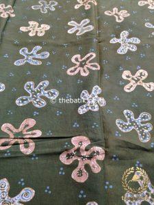 Kain Batik Tulis Warna Alam Floral Bunga Tropis Hijau