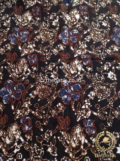 Kain Batik Klasik Jogja Motif Kembang Latar Hitam