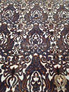 Bahan Kain Batik Kombinasi Tulis Gurdo Sogan Latar Putih