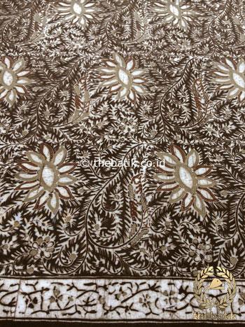Bahan Kain Baju Batik Warna Alam Motif Floral Sulur