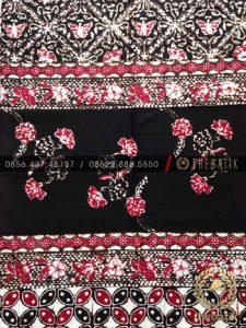 Grosir Bahan Baju Batik Coletan Merah Hitam Tumpal Tengah