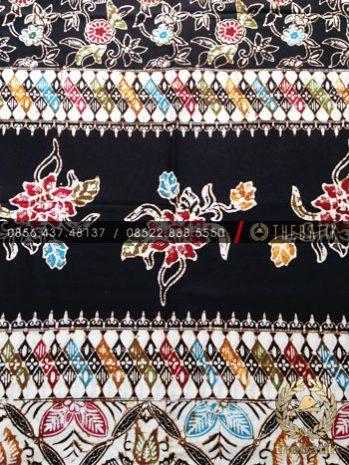 Grosir Bahan Baju Batik Coletan Pelangi Hitam Tumpal Tengah