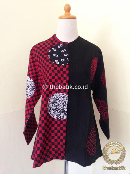 Model Baju Batik Wanita – Blus Batik Merah Hitam Kombinasi