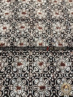 Kain Batik Jawa Klasik Motif Ceplok Kembang Sogan