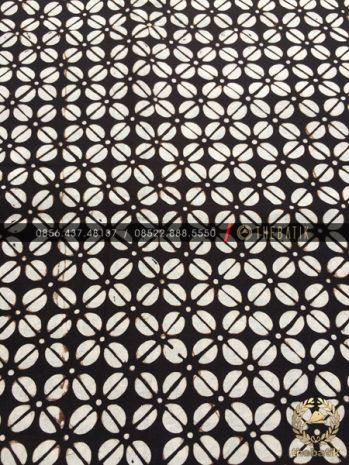 Batik Monokrom Motif Kopi Pecah Hitam Putih