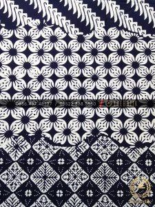 Batik Monokrom Tiga Motif Kombinasi