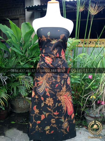 Bahan Baju Batik – Kain Batik Tulis Motif Burung Cendrawasih Latar Hitam