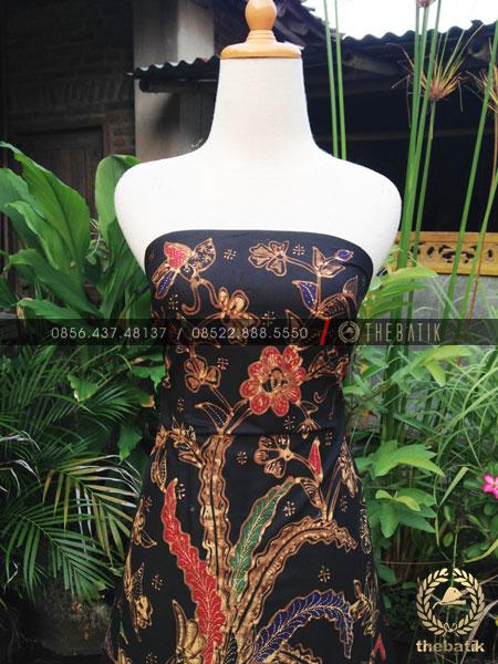 Bahan Baju Batik – Kain Batik Tulis Motif Peksi Boketan Latar Hitam