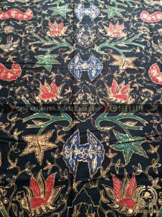 Bahan Baju Batik – Kain Batik Tulis Motif Wahyu Tumurun Latar Hitam