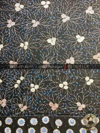 Kain Batik Tulis Warna Alam Floral Hitam