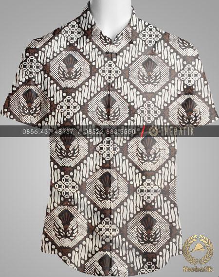Model Baju Kemeja Seragam Batik Kantor / Sarimbit Keluarga Klasik-2