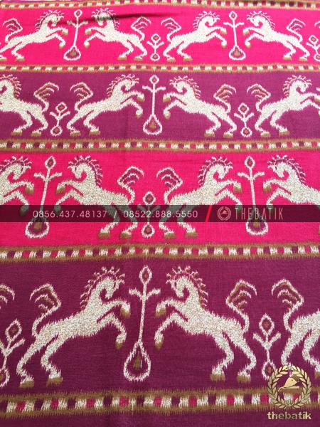 Kain Batik per Meter Model Kuda Tenun Merah