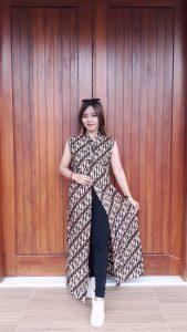 Baju Outer Batik Klasik Lengan Buntung