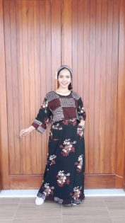 Long Dress Batik Hitam Lengan 3/4