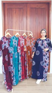 Long Dress Batik Syahrini Lengan 7/8