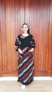 Long Dress Hitam Batik Lengan 3/4