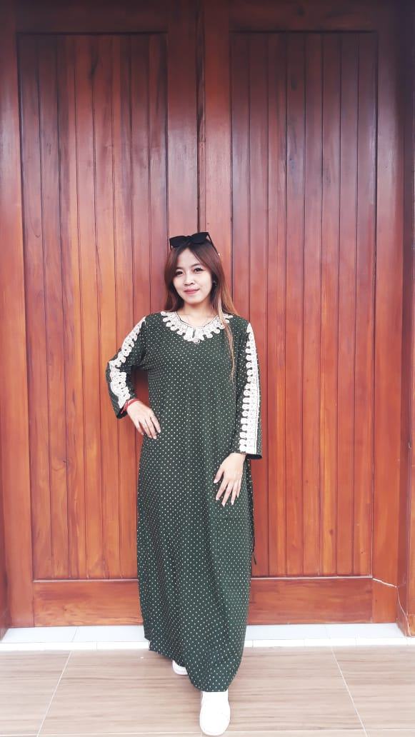 Long Dress Polos Renda Lengan Panjang