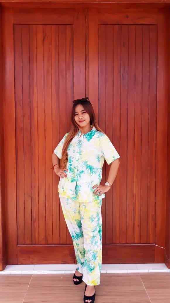 Setelan Batik Jumputan Celana Panjang Lengan Pendek