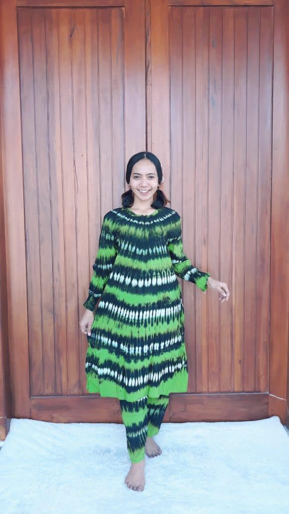 Setelan Batik Tie Dye Panjang Muslimah