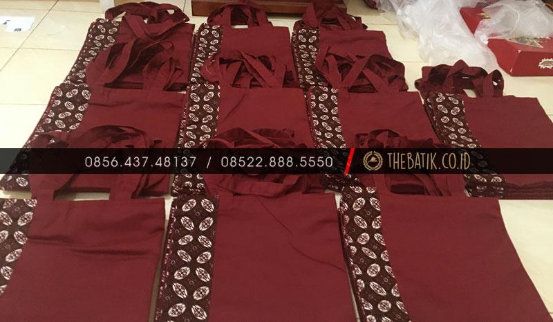 Souvenir Tas Totebag Seminar Polos Kombinasi Batik