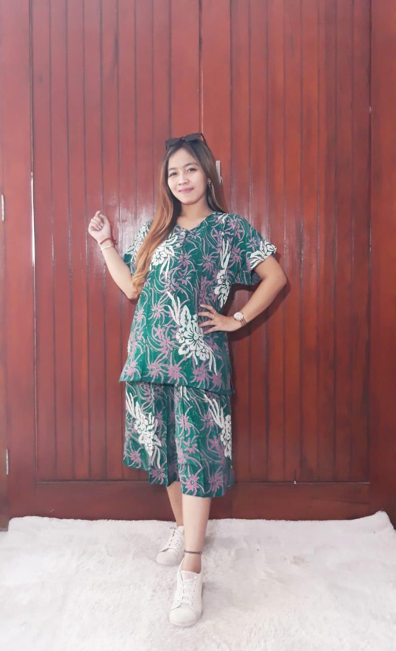 One Set Batik Wanita Setelan Kulot Pendek 2