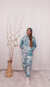 One Set Hoodie Tie Dye Sweater Wanita